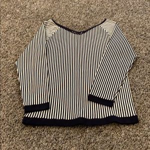 V neck Ann Taylor shirt